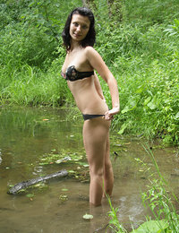 Outdoor masturbation isnt as fun in cities as it is in pure nature, heres a girl that gets off on all of the sounds and smells around her, small stream and clearing next to it are perfect for her